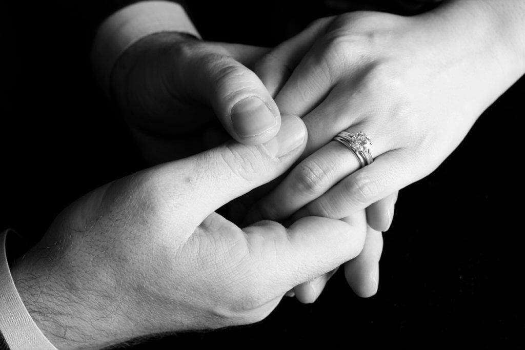 婚約指輪の写真 エンゲージメントフォト