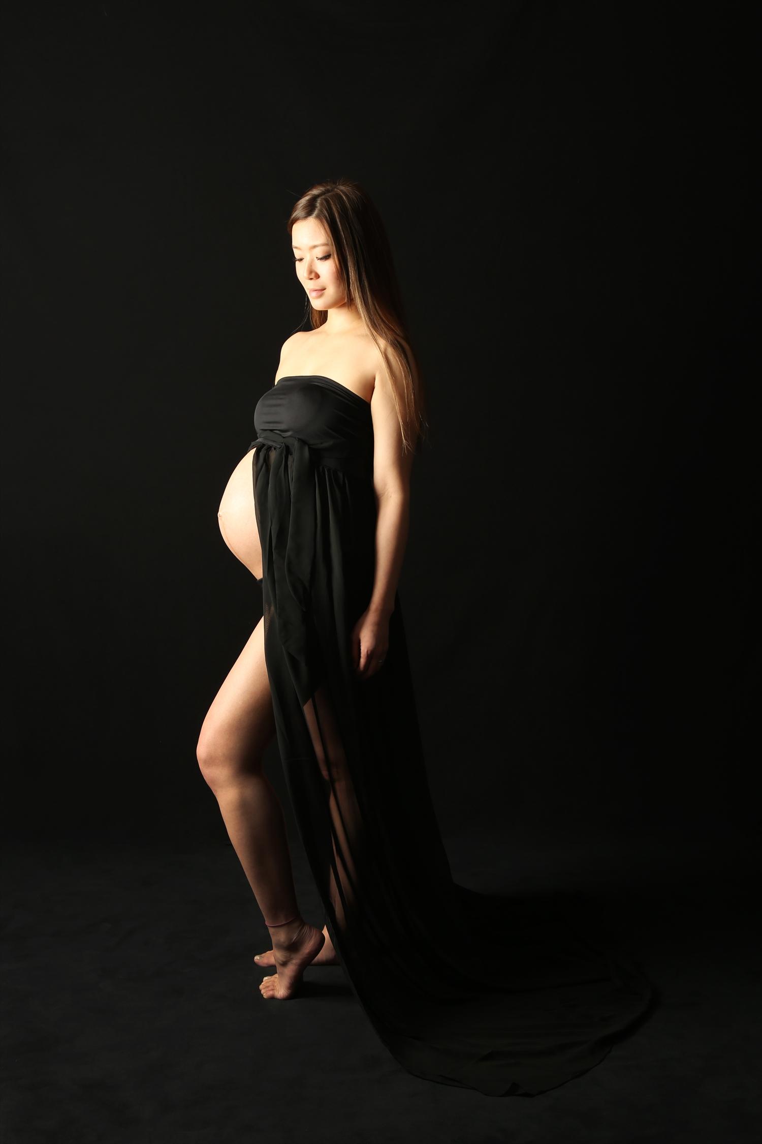 #301 マタニティフォト 黒いドレス 貸出衣装 カラー写真