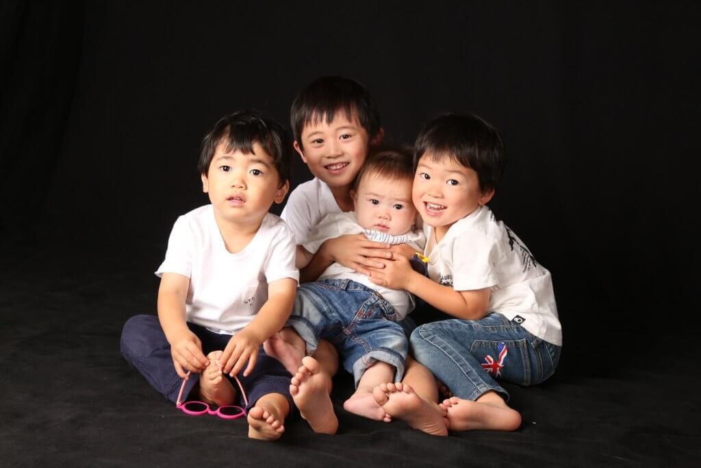 家族写真 ファミリーフォト 4兄弟